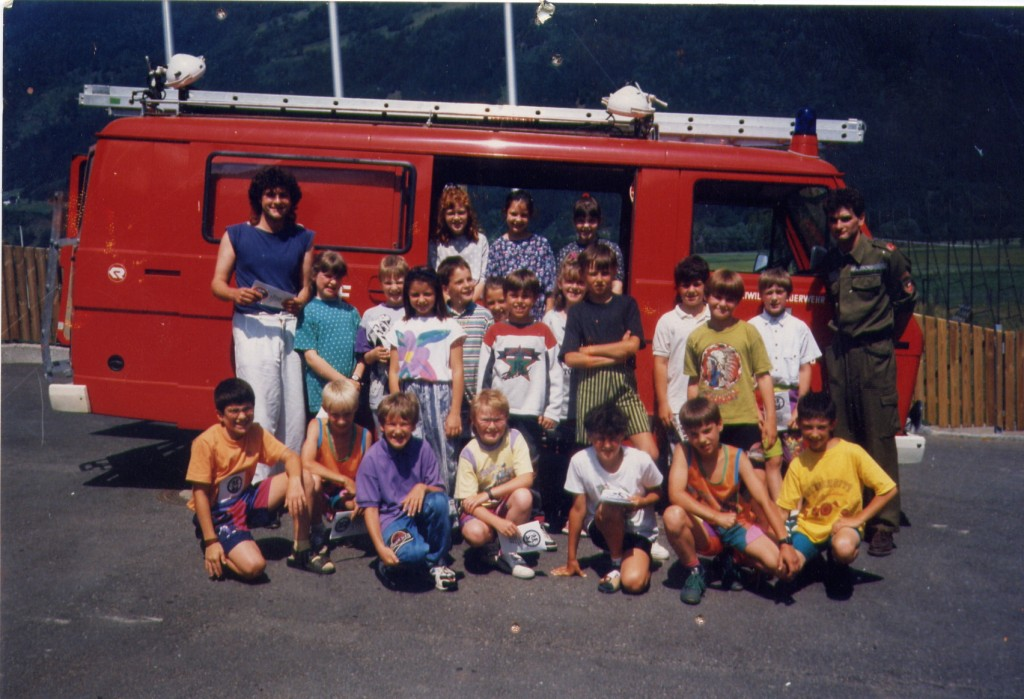 Besuch der Volksschule Lind 1994