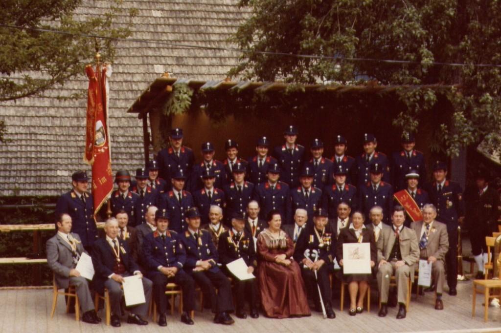 Gruppenfoto anlässlich der 90 Jahr Feier